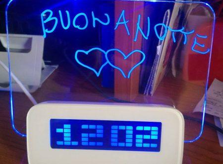 Sveglia con lavagnetta luminosa Baban