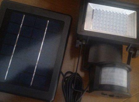 Faro 60 led energia solare Meikee